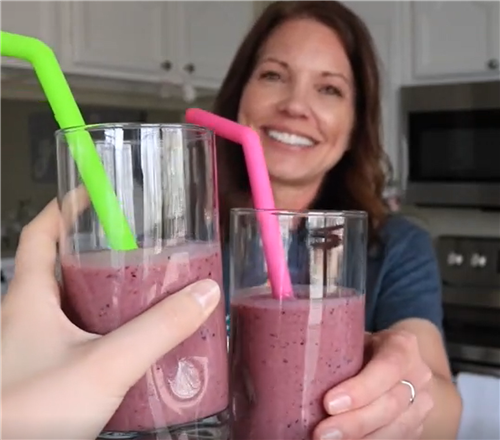 Cheers to a healthy smoothie